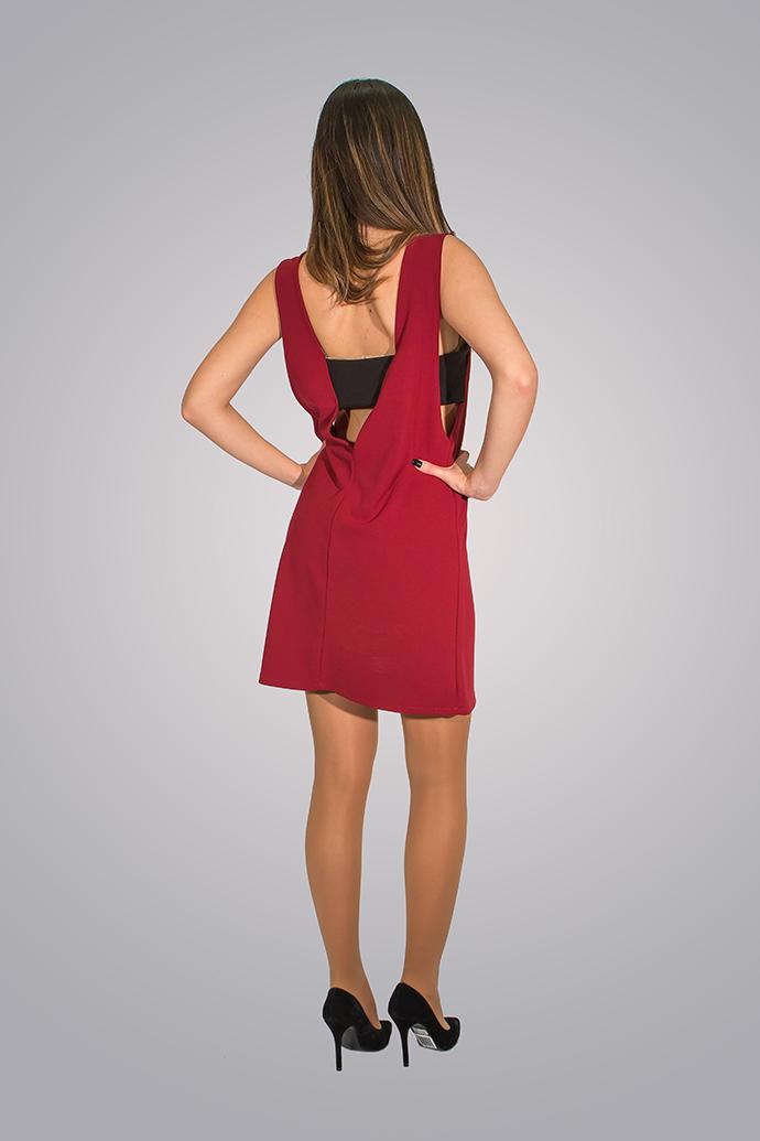 Φόρεμα με ανοιχτή πλάτη