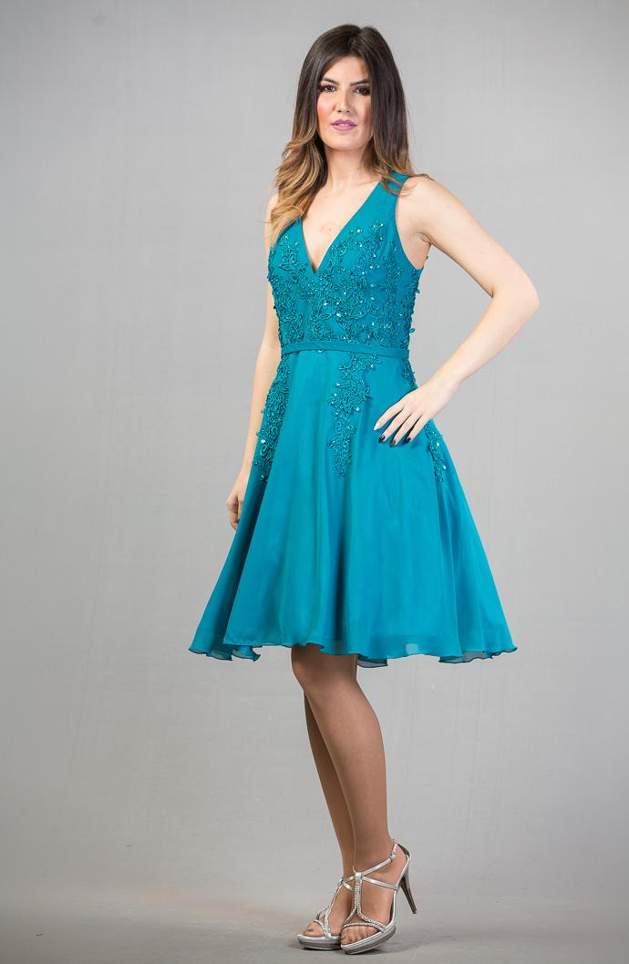 Αεράτο φόρεμα με δαντέλα